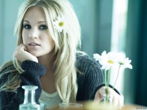 Блондинка.Фото с сайта - hotwalls.ru